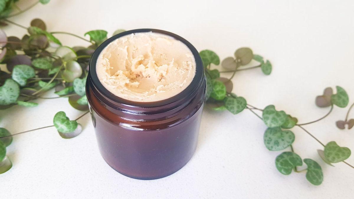 Super-Simple-DIY-Toxin-Free-Deodorant-Paste-Recipe