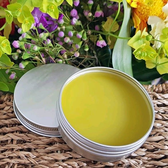 🔥🔥Naked Olive Oil Salve🔥🔥 Olive oil salves or balms are great to have on hand to soothe skin ailments.  This is a naked olive oil salve as there are no herbs or essential oils added, leaving you free to customise it to your needs.  However, even in this naked state, this olive oil salve provides healing and moisturising properties without anything extra. Many salve recipes include coconut oil, shea butter or cacao butter, but I like the simplicity of this naked olive oil salve recipe.  Even more importantly Both Jane and I love the feel of this balm!  It feels so luxurious and silky and leaves your skin lovely and soft.  You can pimp up this Olive oil salve to suit your needs.  I find the simplest way is to make a large batch and when you need a salve for a specific application just melt a small amount in a double boiler, and add essential oils ⭐️Sleepy-time Balm - add lavender and roman chamomile essential oils ⭐️Ouch Balm - add a blend of Lavender, Helichrysum, Tea-tree, Oregano, German Chamomile or Frankincense essential oils ⭐️Dry Skin Balm - add a blend of Cedarwood, Palmarosa, Lavender, Geranium or Roman Chamomile  ⭐️Chest Rub Balm - Add your favourite blend of congestion-busting oils like Ravintsara, Wintergreen (not on kids), Oregano, Thieves, RC, Eucalyptus, Frankincense, Lavender, Rosemary or tea-tree Check out the recipe here https://bloomingmandala.com.au/2019/09/10/naked-olive-oil-salve/