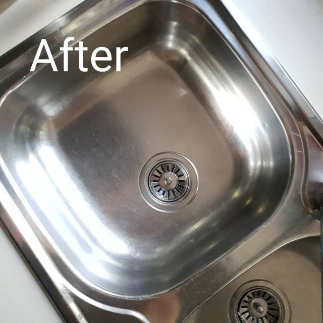 Getting your sink sparkling like this is super satisfying. How did I do it? Gumption?  Nope!! Jiff?  Nope!! Stainless steel polish?  Nope! You don't need any costly shop bought cleaning products full of toxins. All i used was a simple, cheap DIY soft scrub - link in bio It works Fantastic, costs barely anything and has zero nasties!! STOP BUYING EXPENSIVE CLEANING PRODUCTS!! You don't need them!! Seriously! Visit our website to find other DIY recipes to save you $$$$$. #lowtox #lowtoxliving #cleanliving #cleanlivingmadesimple #greencleaning #bloomingmandala #toxfree #chemicalfree #chemicalfreeliving #diyrecipes #essentialoils #doterraau #younglivingaustralia #diycleaningproducts #diycleaning #toxfreeliving #toxfreehome #chemicalfreehome #chemicalfreecleaning  #frugalliving #diycleaningpaste #diyjiff #diygumption #gogreen #budgethome