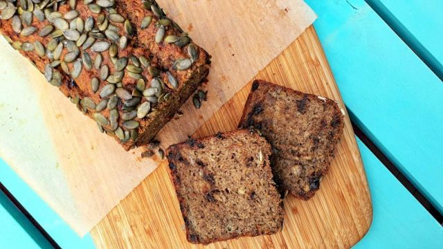🍌HEALTHY BANANA BREAD🍌 This healthy banana bread is vegan, meaning it is dairy and egg-free - perfect for those with allergies or just trying to stick to a plant-based diet like me.  But even if you forget all that it is just bloody yummy so anyone will ❤️it! It can easily be made gluten-free too, by swapping the wheat flour for buckwheat.  Simples Freezer and lunchbox friendly! Link to recipe in bio.... . . . . . #wholefood #wholefoodkids #jerf #justeatrealfood #wholefoods #wholefoodsplantbased #cleanliving #cleanlivingmadesimple  #bloomingmandala  #healthykids #plantbasedfood #toxfree #chemicalfree #wholefoodsplantbased #foodforkids #foodforkidshealth #glutenfreerecipes #glutenfree #healthybaking #bakinglove #bakingday #bakingisfun #bakingathome #bakingrecipes #bakingwithlove #veganbananabread #healthysnacks #healthysnaksforkids #bananabread #healthybananabread