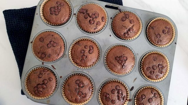 🧁HEALTHY CHOCOLATE CUPCAKES 🧁 Yep, healthy cupcakes that are gluten-free, grain-free and vegetarian and perfect for the kids to make.  All that AND they dont taste like cardboard😂!!  Bonus points scored for being refined sugar-free so your kids won't be bouncing off the ceiling after eating them all 😜.  You're welcome!! ❤ Recipe link in bio.... . . . . #wholefood #wholefoodkids #jerf #justeatrealfood #wholefoods #wholefoodsplantbased #cleanliving #cleanlivingmadesimple  #bloomingmandala  #healthykids #plantbasedfood #toxfree #chemicalfree #wholefoodsplantbased #foodforkids #glutenfreerecipes #glutenfree #healthybaking #bakinglove #bakingday #bakingisfun #bakingathome #bakingrecipes #bakingwithlove #bakingwithkids #healthysnacks #healthysnacksforkids #healthysnackideas #healthycupcakes #chocolatecupcakes